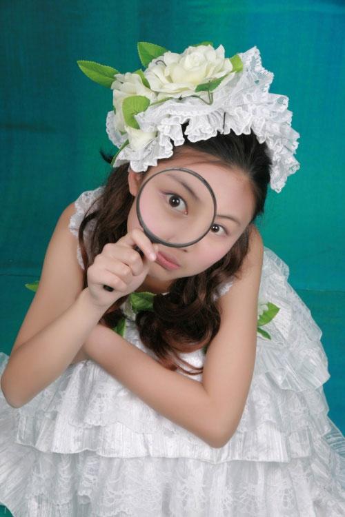 美女玩家囧小咪16岁写真
